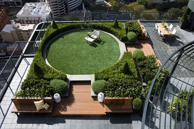 Circular-Shaped-Rooftop-Garden-Allows-360-Degree-City-Views-1